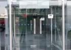 上海杨浦区修理玻璃门窗,配换门窗玻璃